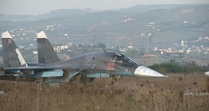Syrie: les forces aériennes russes ciblent les bases de l'EI
