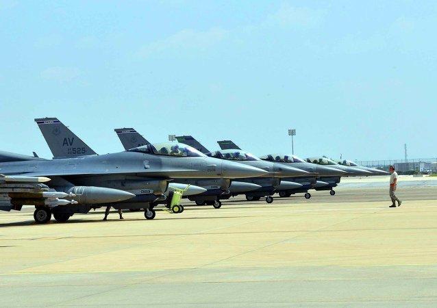 Chasseurs F-16 de l'US Air Force