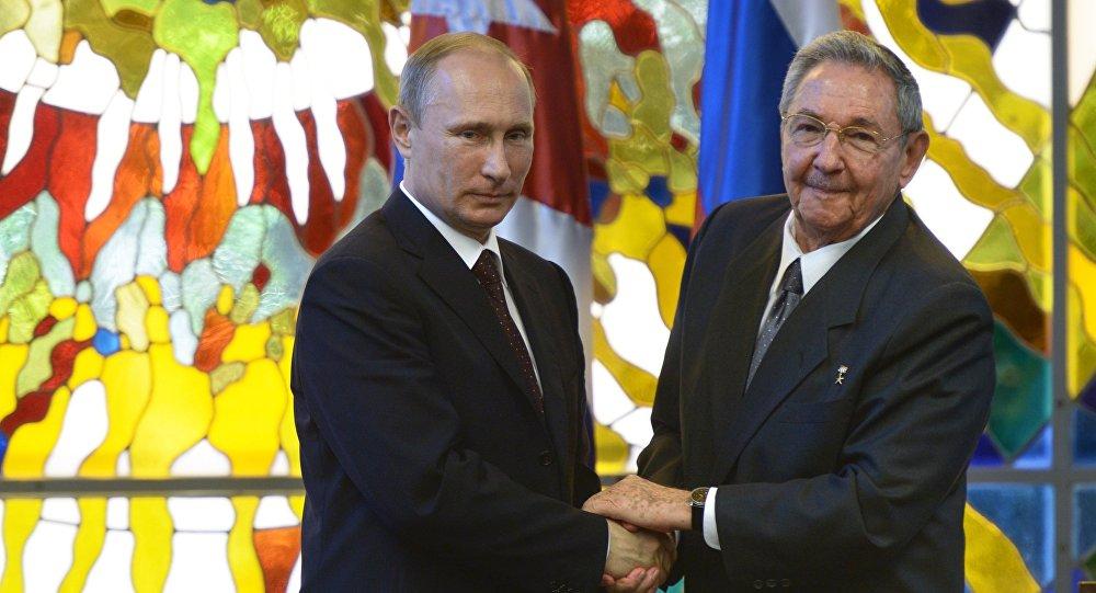 Raoul Castro et Vladimir Poutine