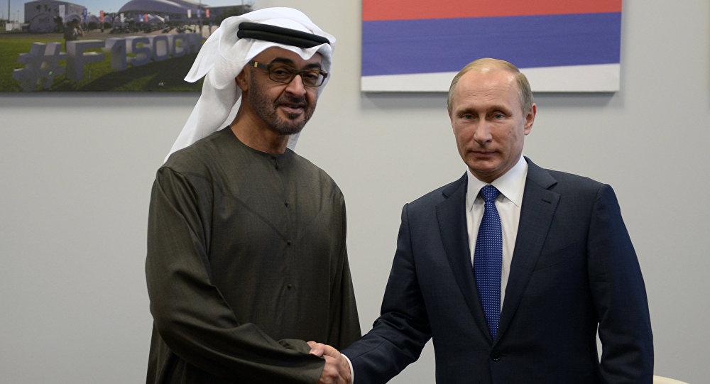 Le président russe Vladimir Poutine et le prince héritier d'Abou Dhabi, Mohammed ben Zayed Al-Nahyane