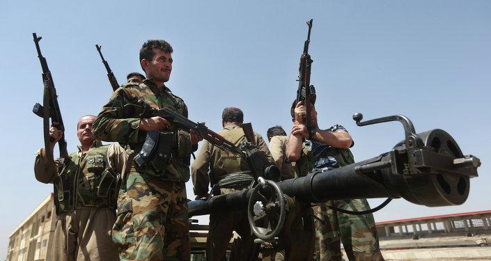 Des combatatnts kurdes