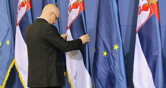L'Union européenne craint l'influence russe en Serbie