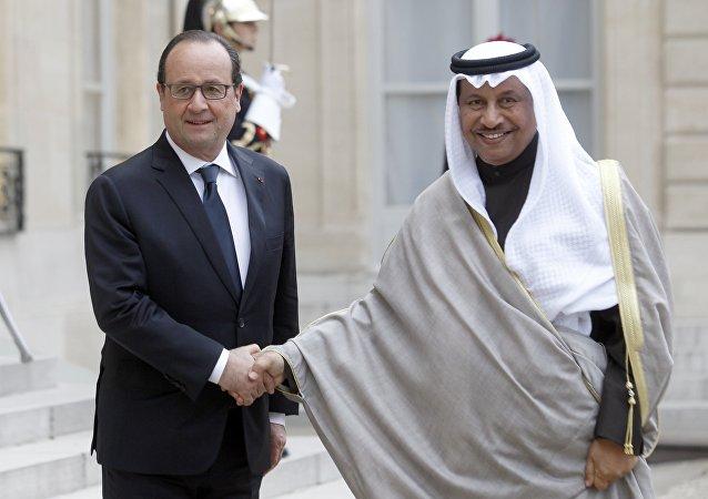 François Hollande et le premier ministre du Koweït Cheikh Jaber Al Moubarak Al Hamad Al Sabah