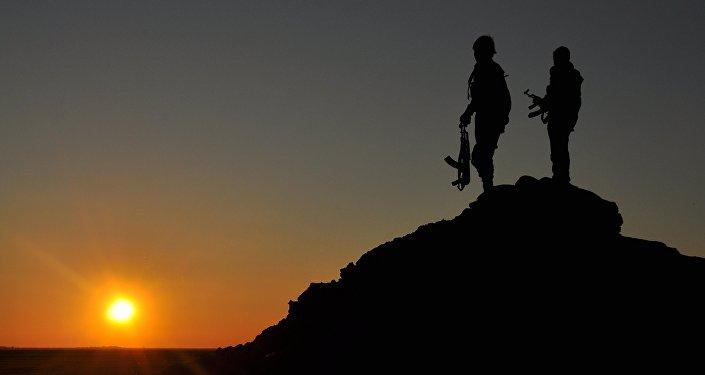 Des combattants YPG