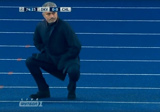 José Mourinho montre ses talents de danseur