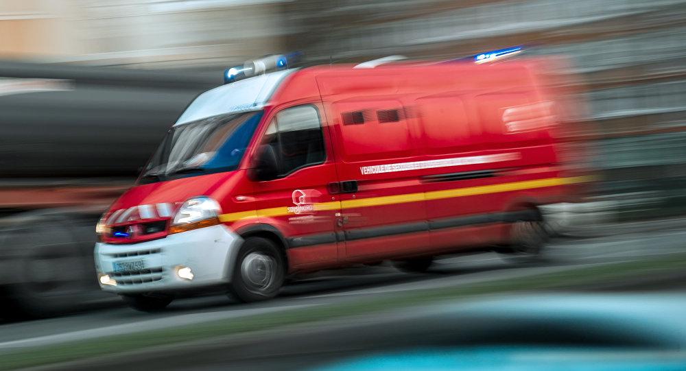 camion de pompiers, image d`illustration