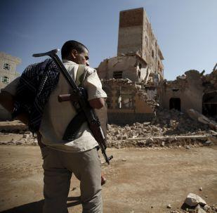 Yémen: villes après des frappes aériennes