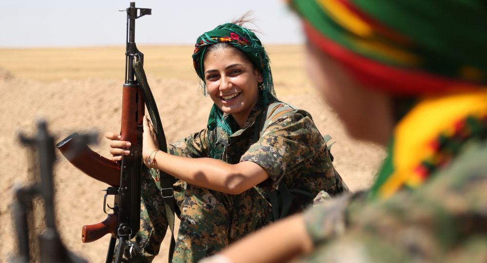 Bataillon féminin kurde YPJ