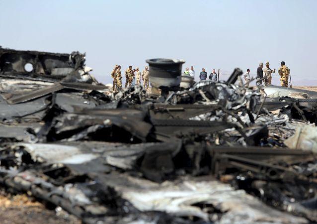 des débris de l`avion A321, Egypte, Sinaï, novembre 1, 2015