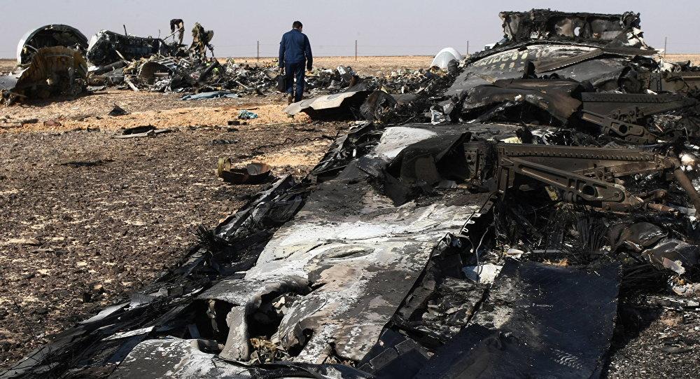 Les débris de l'Airbus A321 russe dans le Sinaï