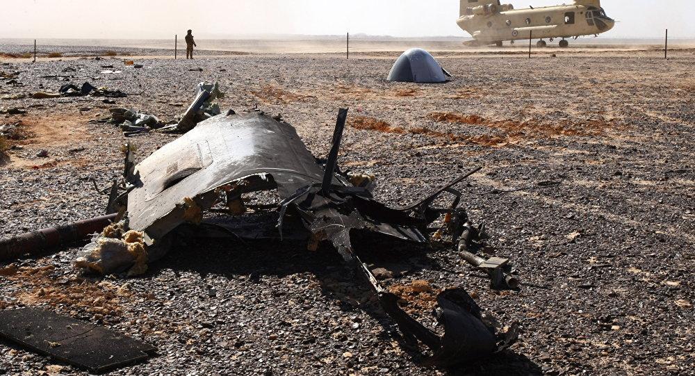 Sur les lieux du crash de l'A321 en Egypte