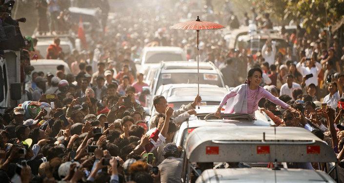 Aung San Suu Kyi, leader du parti d'opposition Ligue nationale pour la démocratie (LND), Birmanie