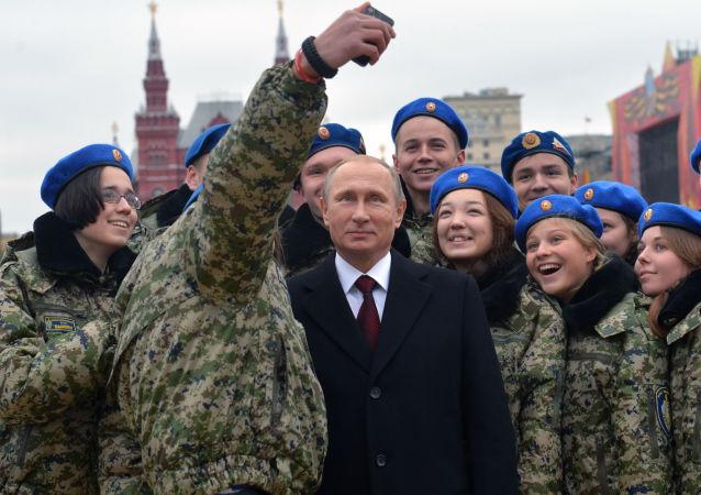 Poutine lève le voile sur la force de la Russie