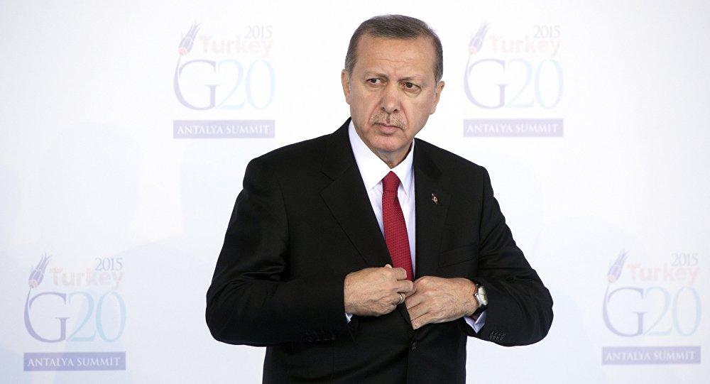 Le président turc Recep Tayyip Erdogan ouvre le sommet du G20 à Antalya, dimanche 15 novembre 2015