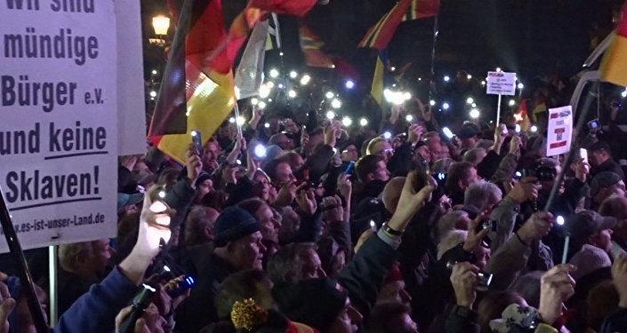 Allemagne: marche de Pegida après les attentats de Paris