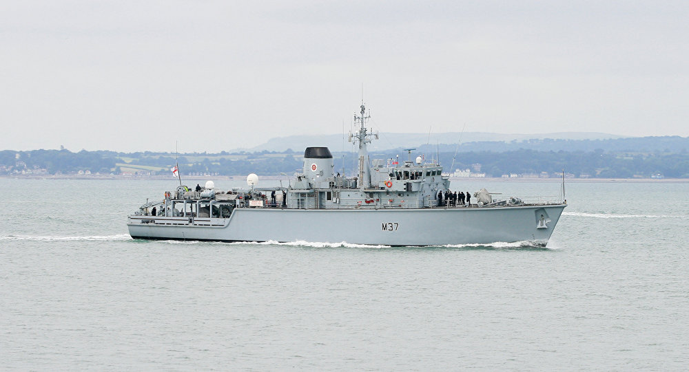 Le navire britannique HMS Chiddingfold en mer Noire