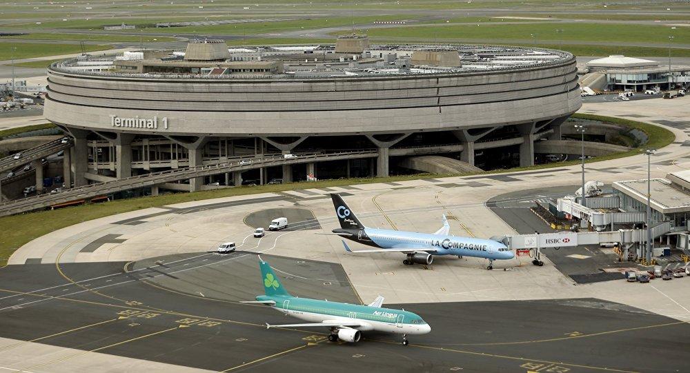 Vue générale du terminal 1 de l'aéroport Roissy-Charles de Gaulle