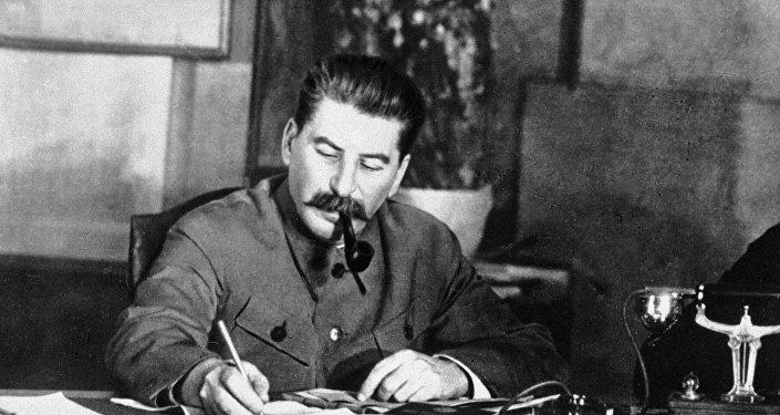 Pourquoi Staline gardera le titre de citoyen d'honneur en République tchèque?