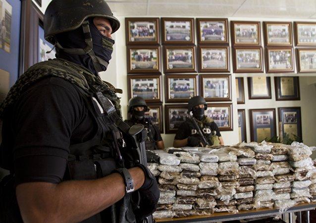 Les policiers étaient parvenus à mettre la main sur près de 700 kilos de cocaïne. Santo Domingo on March, 2013