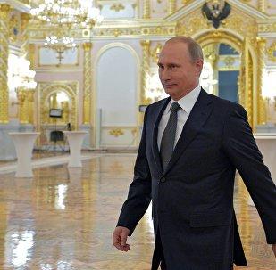 Vladimir Poutine arrive au Kremlin le 4 décembre 2014