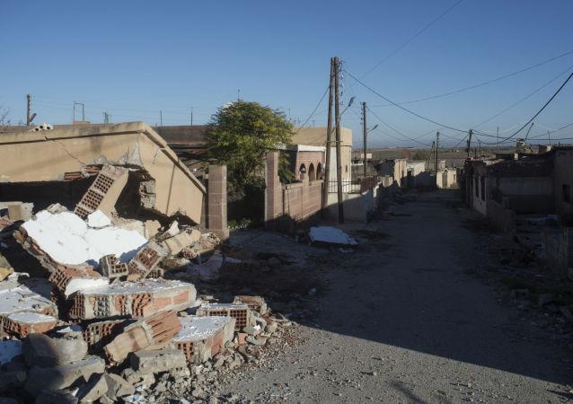 Un village détruit par Daech dans le nord-est de la Syrie