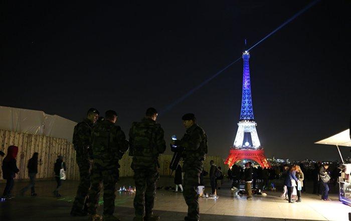 Internautes illumination de la tour eiffel pour neymar une insulte aux vict - Prix pour monter a la tour eiffel ...