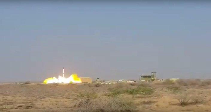 Pakistan: 2 essais de missiles balistiques en 3 jours