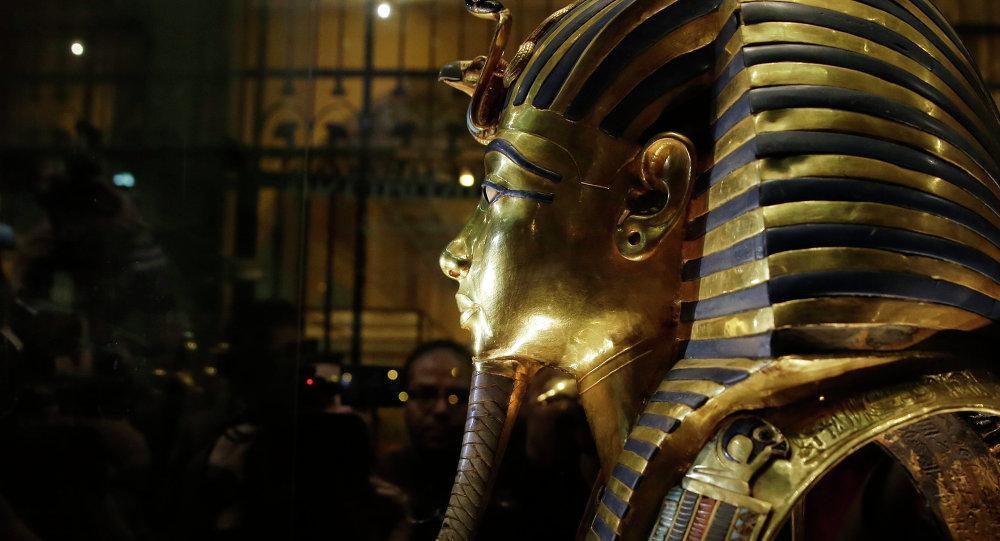 Néfertiti aux côtés de Toutankhamon? Ultime tentative de percer le mystère