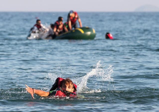 Un Syrien a nagé sept heures vers une nouvelle vie en Europe