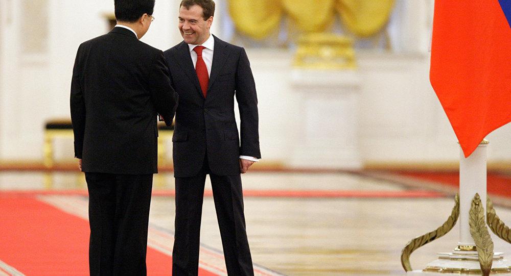 Chine-Russie: les moyens de surmonter la crise au menu du Sommet de Singapour