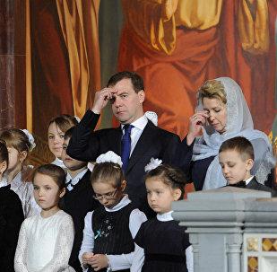 Medvedev a souhaité un joyeux Noël à tous les orthodoxes