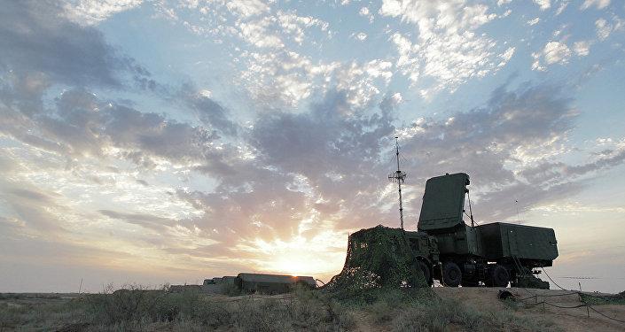Un radar mobile participe à des exercices des Troupes aérospatiales russes