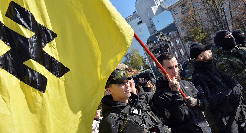 Les militants du régiment ukrainien Azov