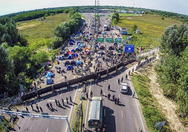 Migrants. Frontière de la Serbie