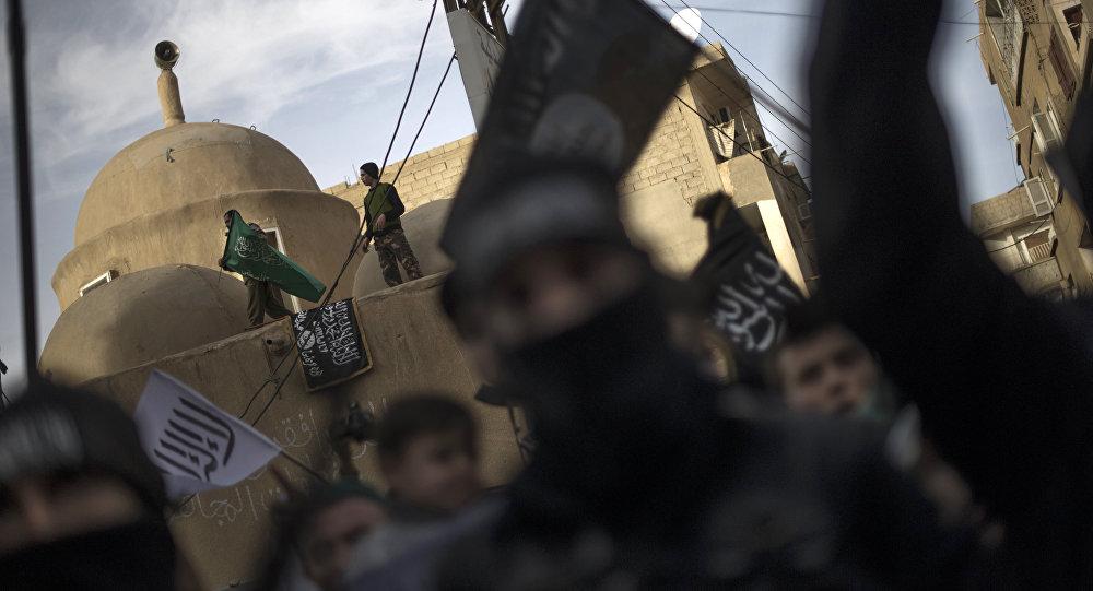 Daech déploie 2.000 terroristes pour attaquer la ville syrienne de Deir ez-Zor