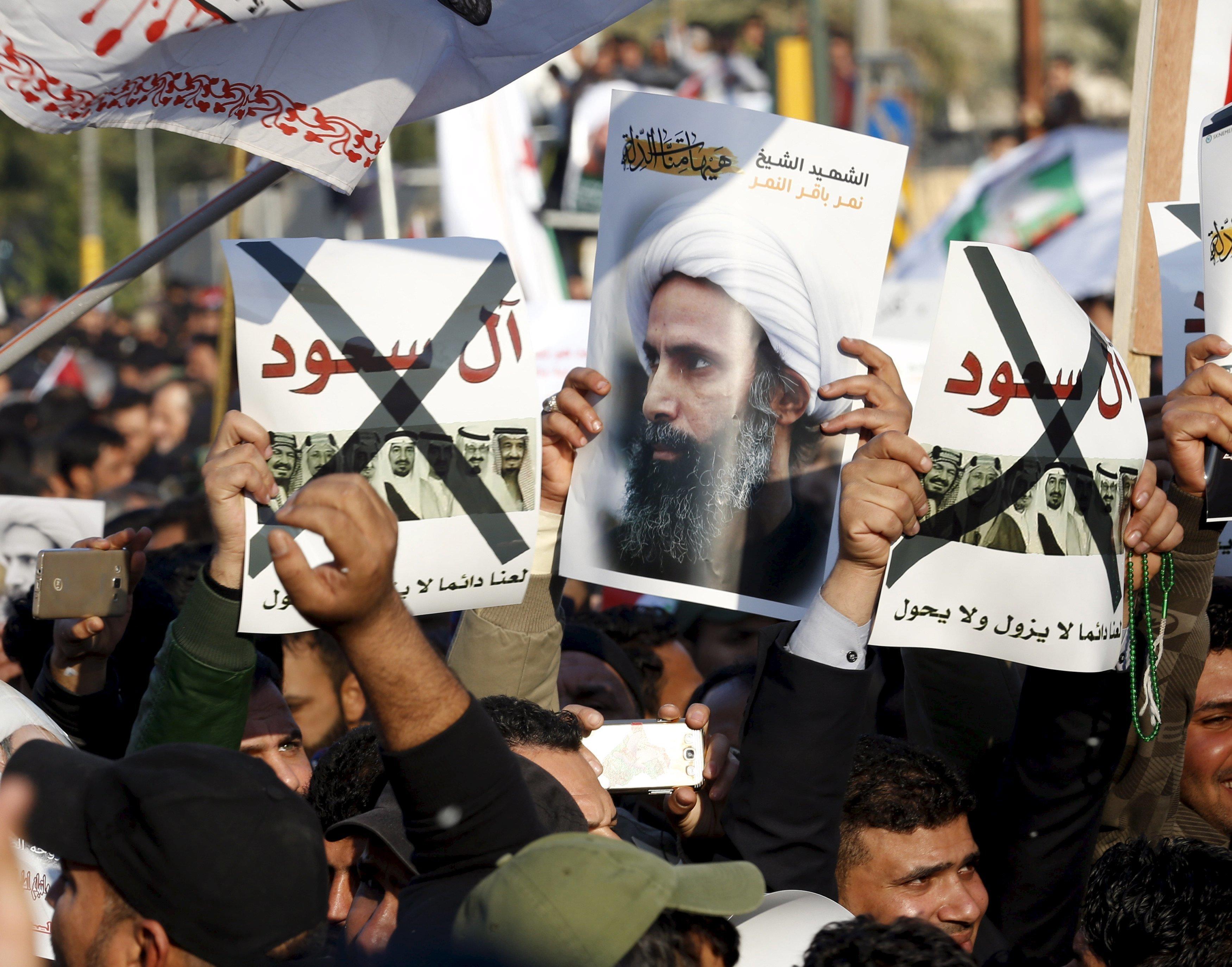 protestant contre l'exécution de Nimr al-Nimr