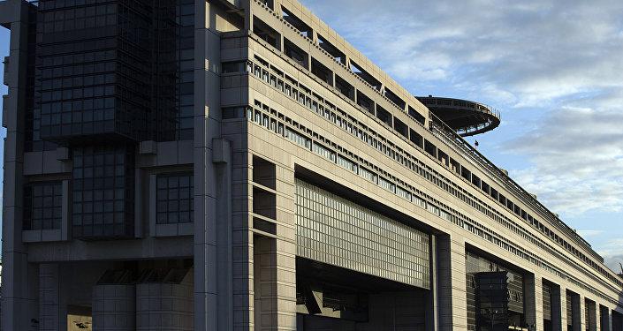Le ministère français de l'Économie, des Finances et de l'Industrie, rue de Bercy