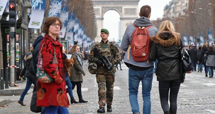 Patrouille à Paris
