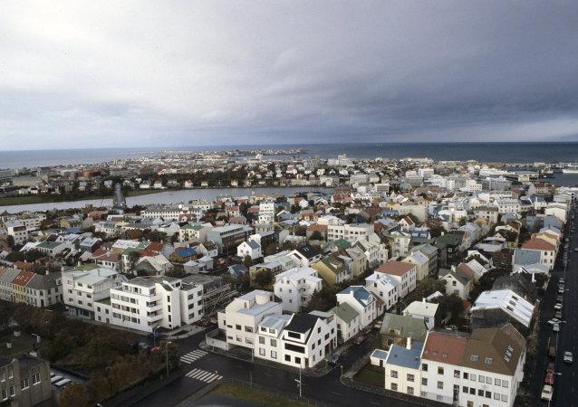 Islande: une voiture fonce sur le terminal d'arrivée d'un aéroport