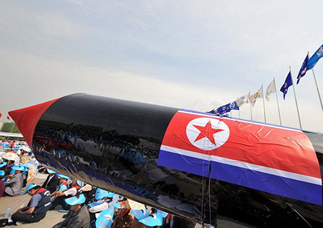 Maquette du missile balistique de longue portée nord-coréen. Image d'illustration