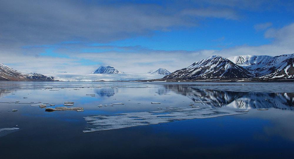 Coucher du soleil en Arctique