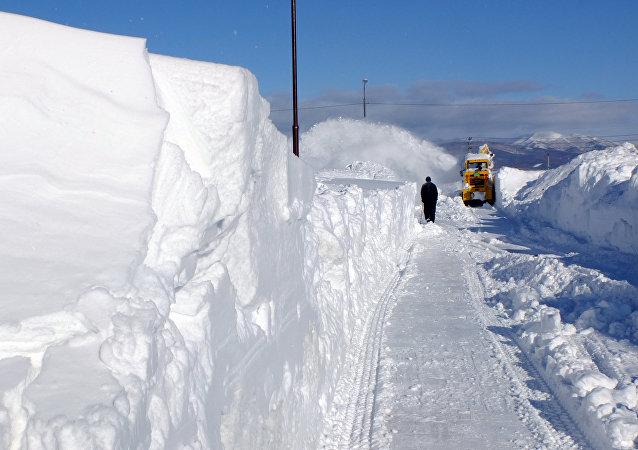 Une chute de neige en Chine retient 100.000 personnes dans une gare