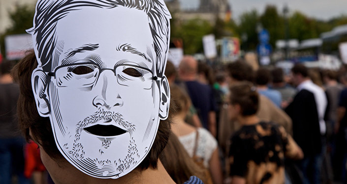 Edward Snowden, masque