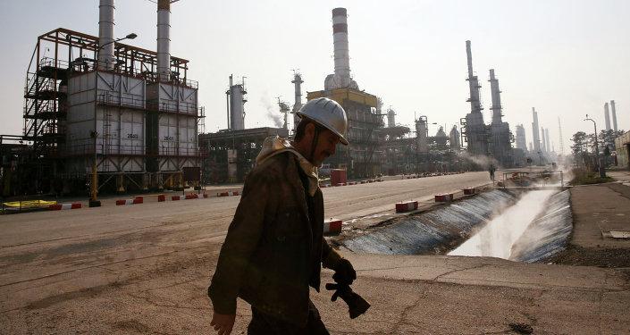 L'Iran prêt à vendre son pétrole contre des yuans