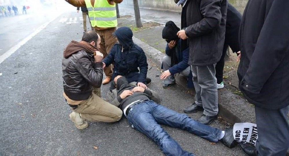 Kurde attaqué par la police