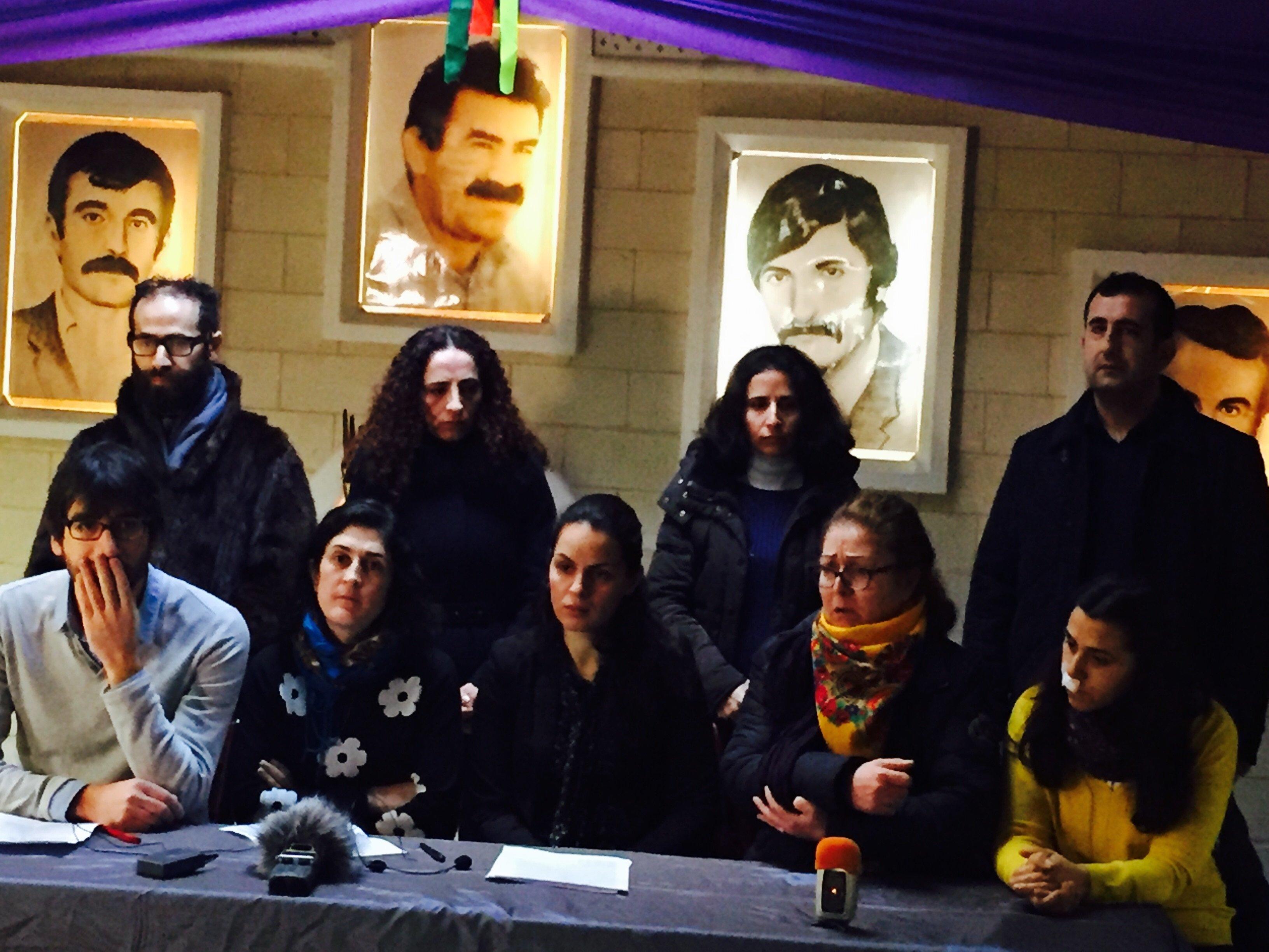 Déclaration de presse dans le centre culturel des Kurdes à Paris
