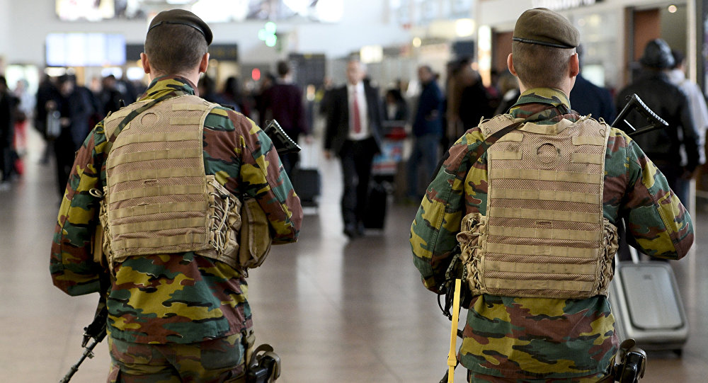 l'aéroport de Bruxelles à Zaventem, à l'est de Bruxelles