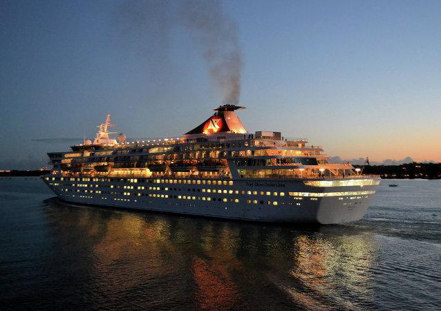 Un bateau de croisière de Disney ramasse des migrants présumés