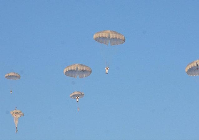 Russie: exercice des troupes aéroportées
