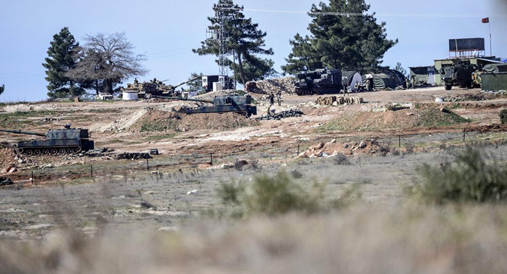 Chars turcs à la frontière syrienne